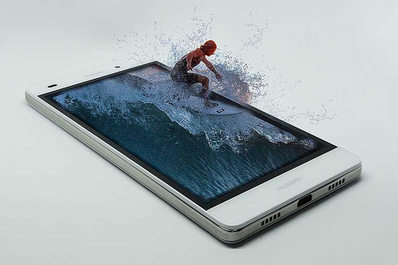 surf na mobilnom telefonu